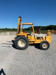 Lift Truck/Fork Lift-Rough Terrain For Sale International 4500 series B