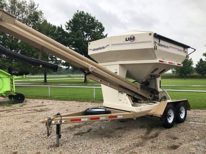 2013 Unverferth 2750 Seed Tender For Sale