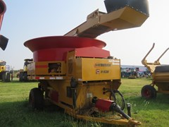 Tub Grinder - Feed/Hay PTO For Sale 2013 Haybuster H1130