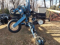 Planter For Sale 2004 Kinze TWIN LINE