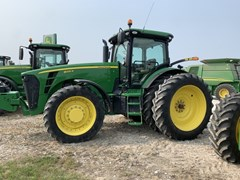 Tractor - Row Crop For Sale 2010 John Deere 8225R