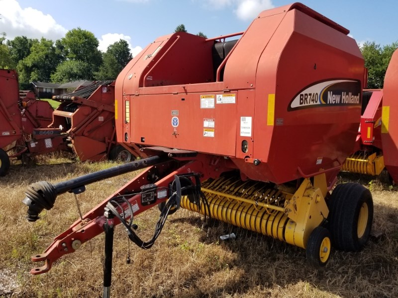 2004 New Holland BR740 Baler-Round For Sale