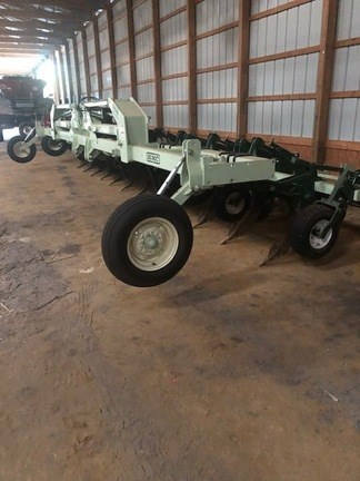 2019 KMC 12 row stack fold ripper bedder Misc. Ag For Sale