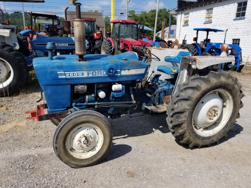 1976 Ford 2600 GAS Tractor For Sale