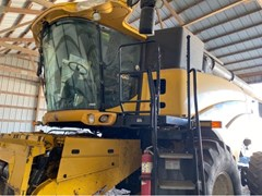 Combine For Sale 2011 New Holland CR9040