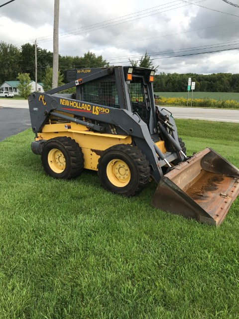 2000 New Holland LS 190 Skid Steer For Sale