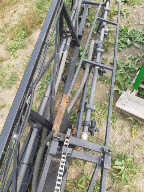John Deere 4700 Sprayer Booms For Sale