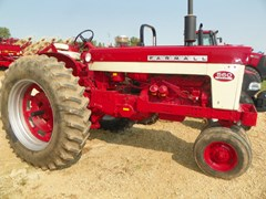Tractor For Sale 1960 International 560D
