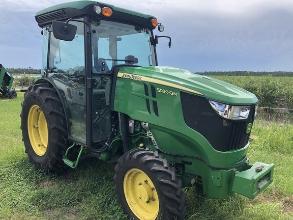 2017 John Deere 5090GN Tractor - Utility For Sale