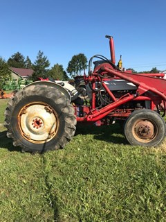 Tractor For Sale Ford 851 , 56 HP