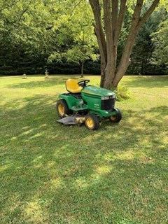 Lawn Mower For Sale 2005 John Deere 335 , 20 HP