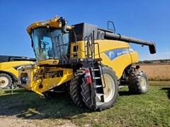 Combine For Sale 2011 New Holland CR9065