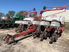 Planter For Sale 2007 White 8200
