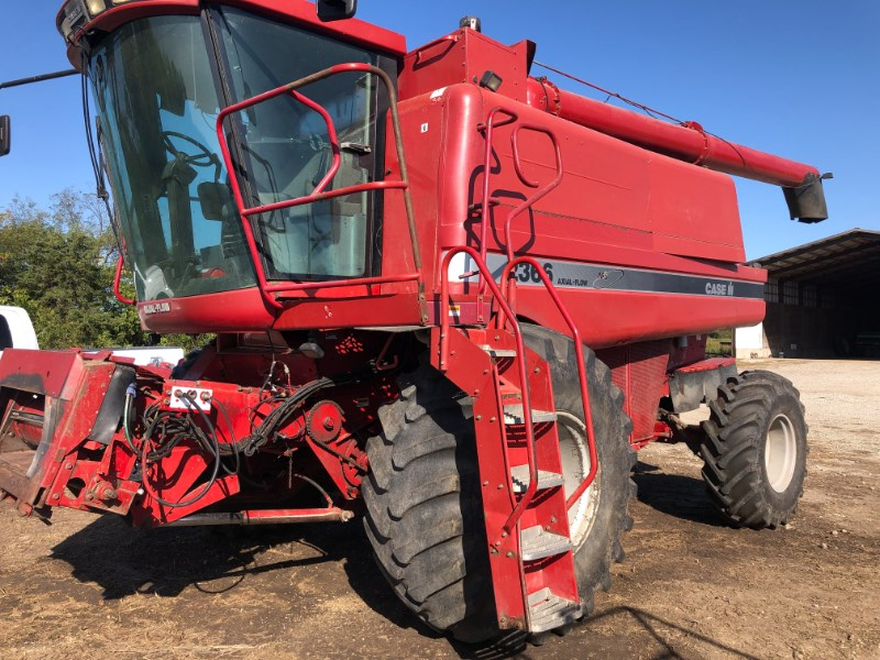 1998 Case IH 2366 Combine For Sale