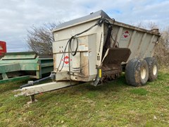 Manure Spreader-Dry For Sale Knight 8132TR