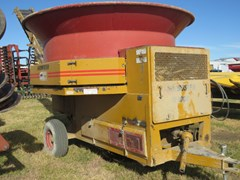 Tub Grinder - Feed/Hay PTO For Sale 2001 Haybuster H1000