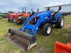 Tractor For Sale 2004 New Holland TC35DA HST , 35 HP