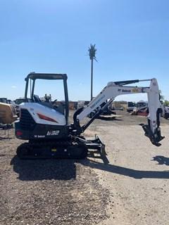 Excavator-Track  Bobcat E32I T4