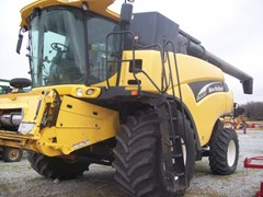 Combine For Sale 2003 New Holland CR960