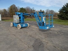 Boom Lift-Articulating For Sale 2011 Genie Z34/22N