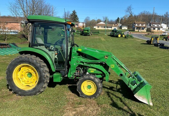 2015 John Deere 4066R Tractor - Compact Utility For Sale