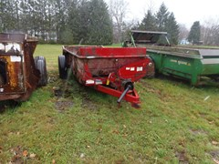 Manure Spreader-Dry/Pull Type For Sale 2015 New Holland 165