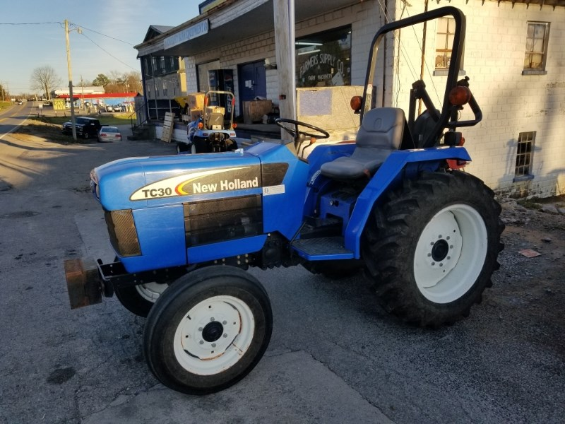 2006 New Holland TC30 R2 Tractor - Compact For Sale