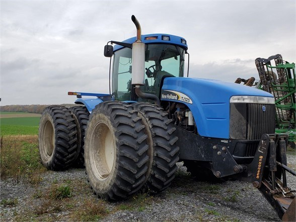2003 New Holland TJ325 Tractor For Sale