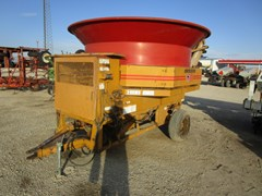 Tub Grinder - Feed/Hay For Sale Haybuster H1000