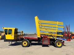 Bale Wagon-Self Propelled For Sale New Holland H9880