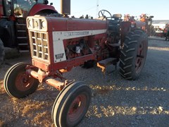 Tractor For Sale 1975 International 666 gas , 70 HP