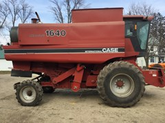 Combine For Sale Case IH 1640