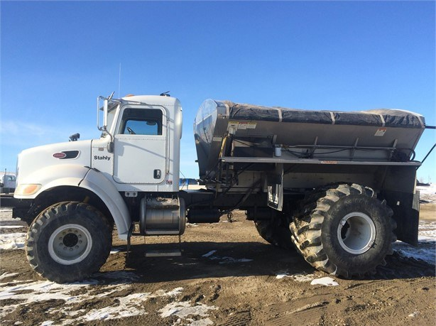 2005 Peterbilt Stahly 335 Floater/High Clearance Spreader For Sale