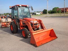 Tractor For Sale 2013 Kubota B3000HSDCC , 30 HP