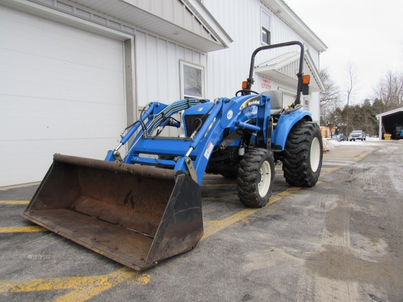 New Holland TC33 Tractor For Sale