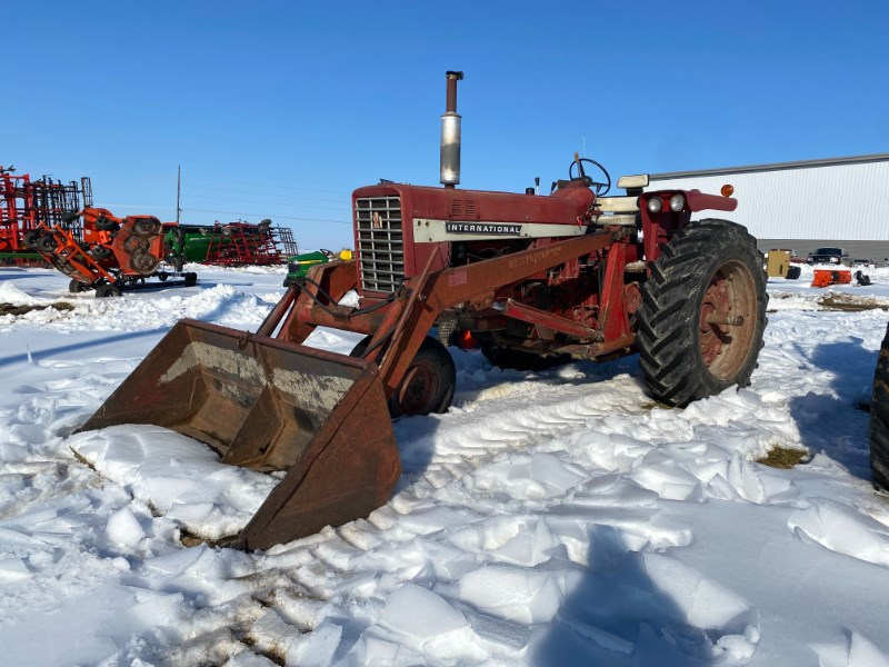 International 756 Tractor For Sale