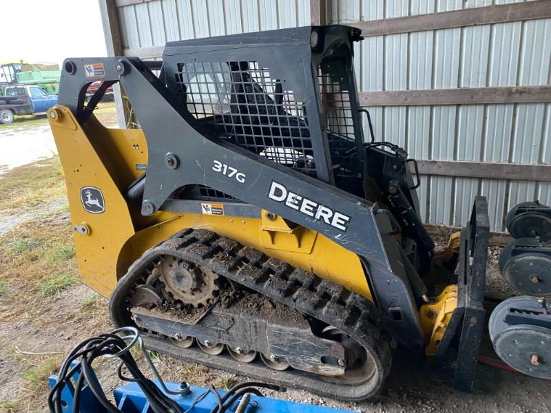 2016 Deere 317G Skid Steer For Sale