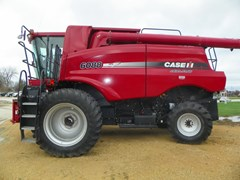 Combine For Sale 2010 Case IH 6088 , 305 HP