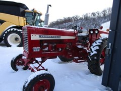 Tractor For Sale 1968 International 656 GAS