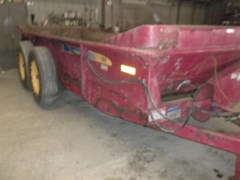 Manure Spreader-Dry/Pull Type For Sale 2015 New Holland 185