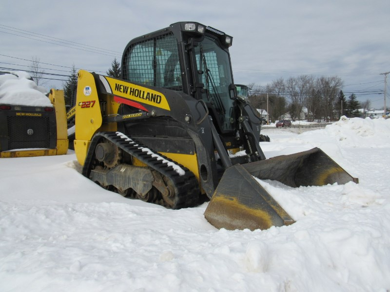 2018 New Holland C227 Skid Steer-Track For Sale