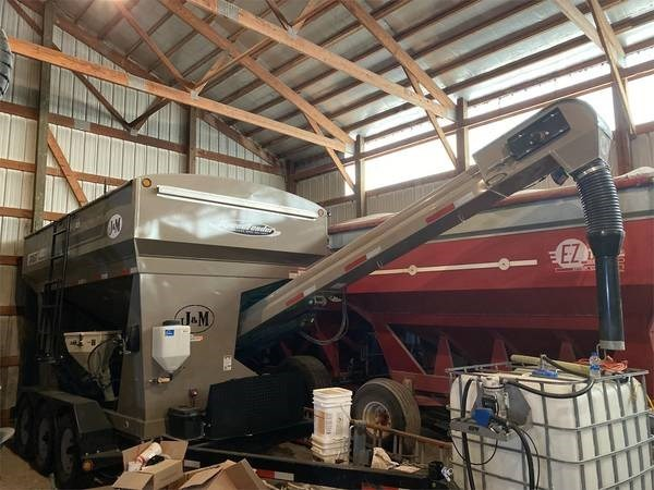 2013 J&M Manufacturing Co. Inc 375ST Seed Tender For Sale
