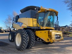 Combine For Sale 2010 New Holland CR9065