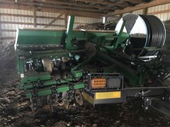 Grain Drill For Sale 1997 Great Plains SOLID STAND 1500