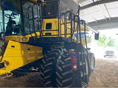 Combine For Sale 2012 New Holland CR8080
