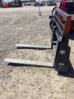 Forklift Attachment  Bobcat PLTFKFR_2