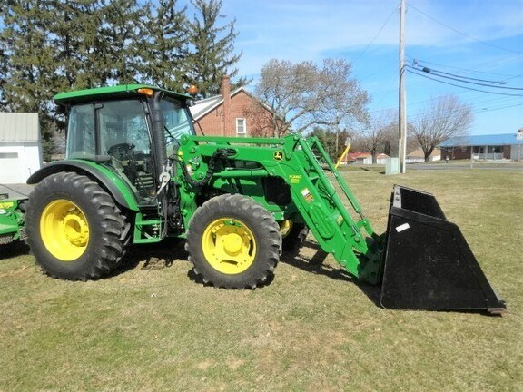2014 John Deere 5115M Tractor - Utility For Sale