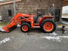 Tractor For Sale 2001 Kubota L3010DT
