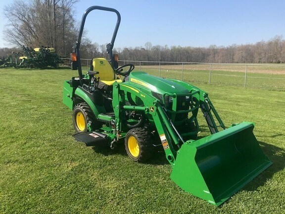 John Deere 1025R Tractor - Compact Utility For Sale