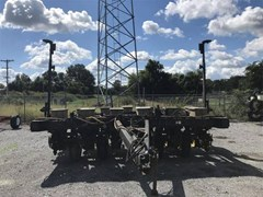 Planter For Sale 1989 Black Machine 836F
